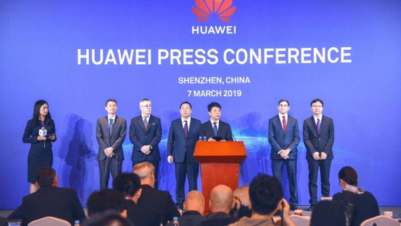 Huawei sues USA government