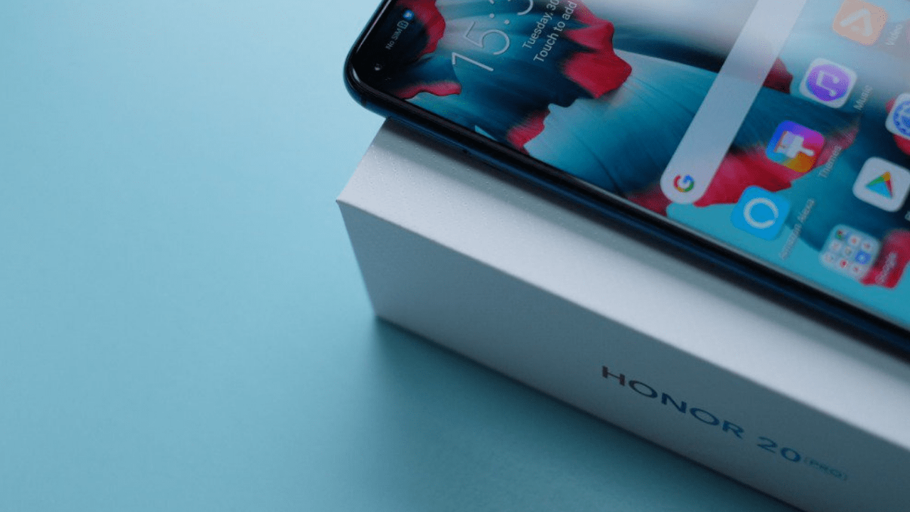 Honor 20 Pro Flagship to Feature Fortnite Support & Punch-hole Display