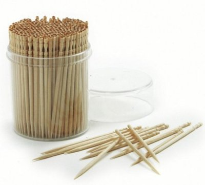 styling food with toothpicks