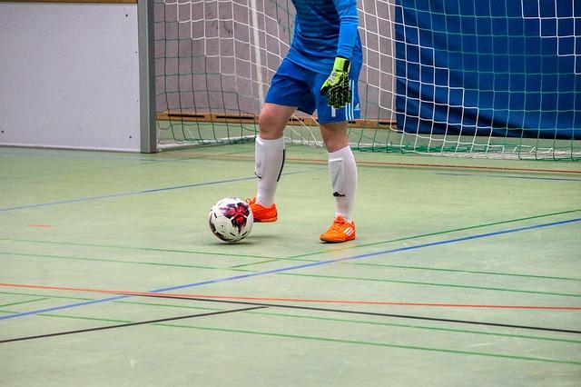Rekomendasi Sepatu Futsal Anak Terbaik dan Keren