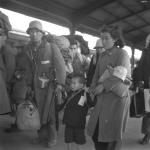 1946年 浅野 隆 《品川駅引揚者》