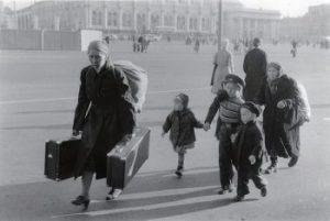 モスクワ 家族で旅に出る 1956年
