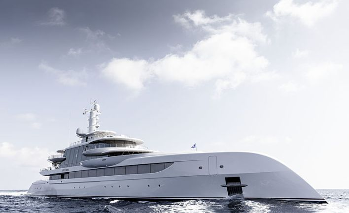 80m Excellence yacht cruising