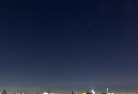 東京スカイツリーと夜空