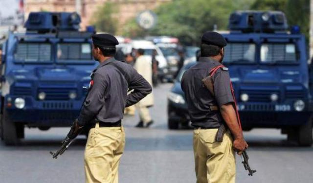 Police arrests two drug peddlers, gutkaa, opium recovered