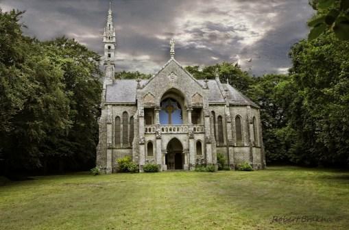 Eglise Fantomatique ( en Bretagne )