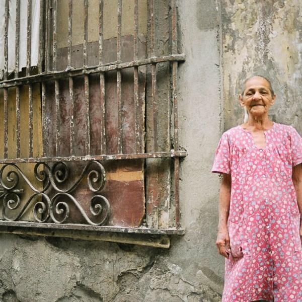Old Woman, Havana, Cuba, 1999 ©Cyndie Burkhardt.