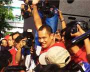Red-shirt secretary-general Natthawut Saikua now protected by parliamentary immunity after becoming an MP in the Thailand 2011 general election