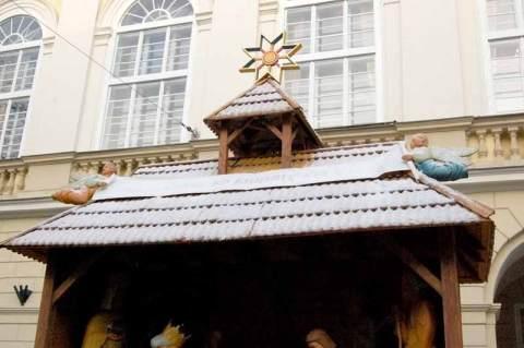 Різдвяна шопка у Львові зими 2011-2012 років