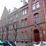 Колишня школа Святої Анни - тепер Львівська правнича гімназія