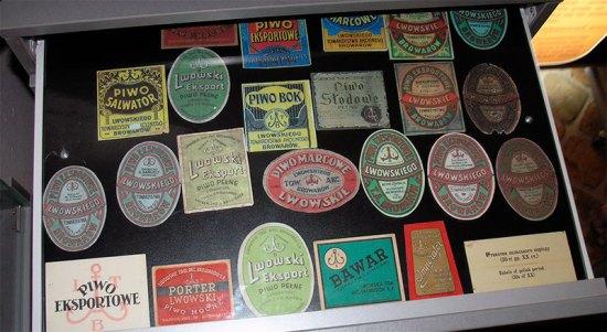 Пивні етикетки з 30-х років XX століття (польський період). Музей пивоваріння.