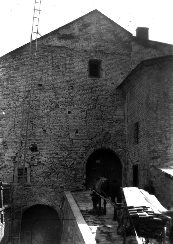 Міський арсенал на вулиці Підвальній, фото кінця ХІХ століття