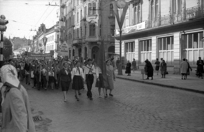 Піонери у Львові, 1964 рік