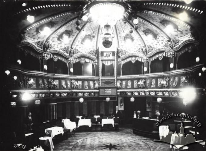 """Глядацький зал театру-вар'єте """"Казино де Парі"""", 1910-1914"""