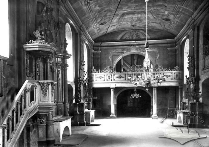 Інтер'єр церкви Св. Анни у Львові, фото 1912 року