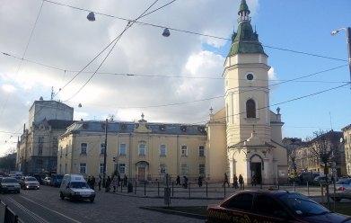 Церква Св. Анни у Львові, фото грудень 2014 року