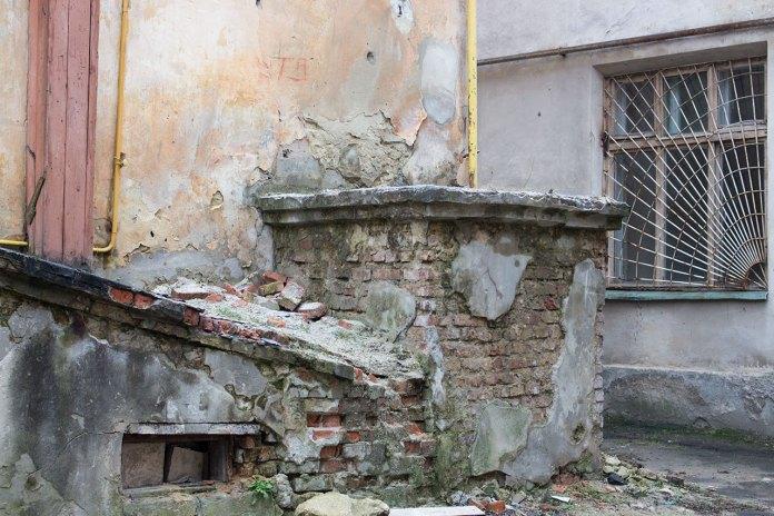 """Руйнація будівлі фабрики """"Здоров'я"""", наші дні"""