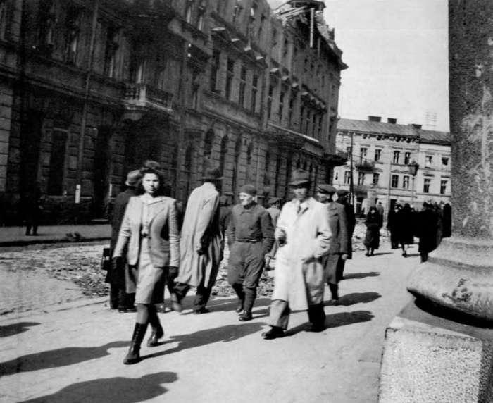 На нин. вул. Пекарська, 1941 - 1944 рр.