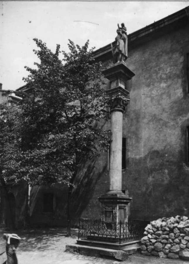 Колона святого на фото Яворського, 1912 рік