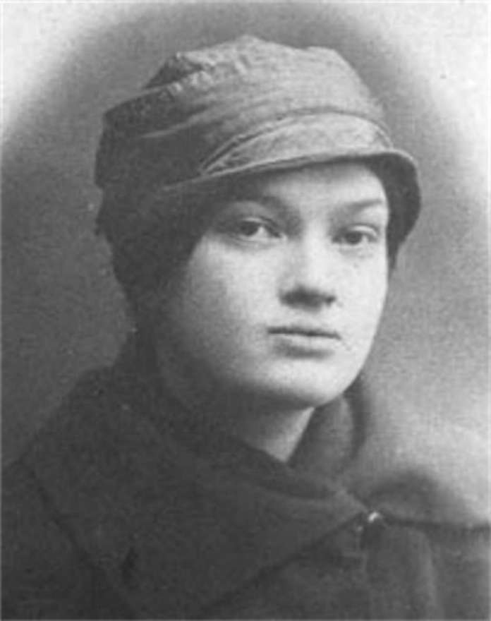 Грушевська Катерина (1900-1943) - донька професора Грушевського
