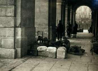 Українські позиції біля входу до ратуші, листопад 1918 року