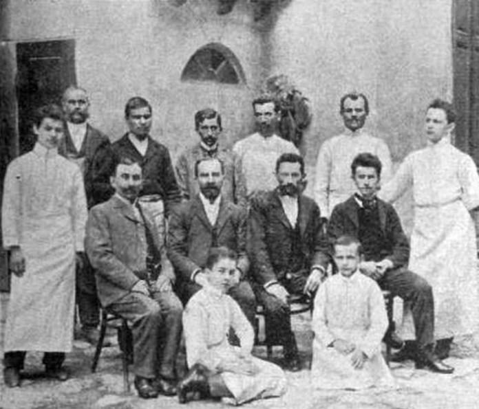 Персонал цукерні Бенецького, 1902 рік