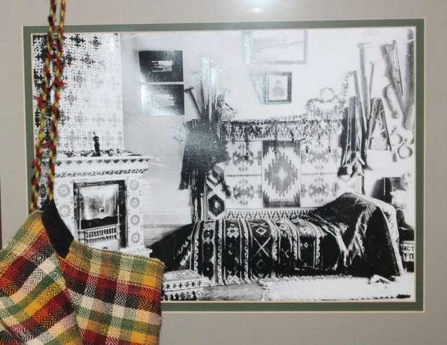 Світлина з маленькою Катериною у гуцульській кімнаті вілли Грушевських. Фото з музею, 2015 рік