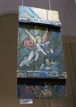 """Експонати виставки """"Ікони на ящиках з-під набоїв: Мистецтво, що перетворює смерть на життя"""""""