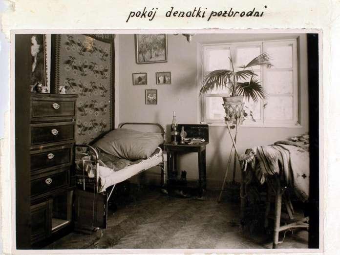 Місце вбивства - ліжко жертви Ельжбети Заремби. Поліційне фото 1932 року
