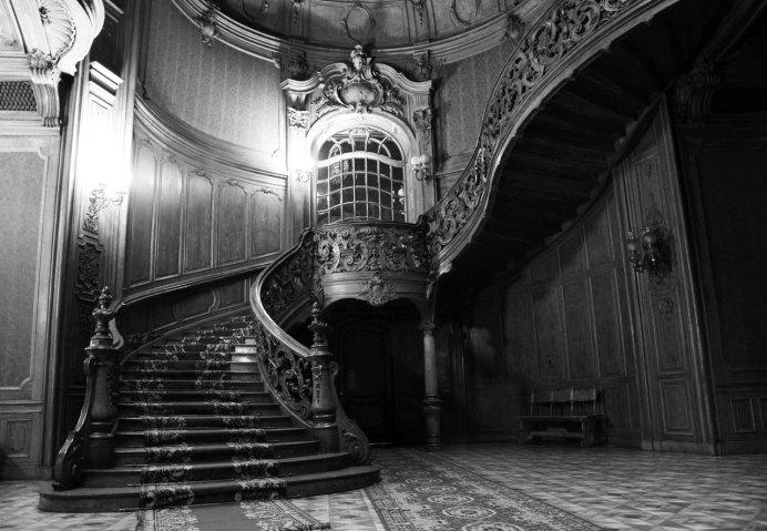 Розкішні сходи Будинку вчених
