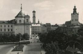 Тролейбус на пр-ті Свободи, фото, 1953-1954 роки.