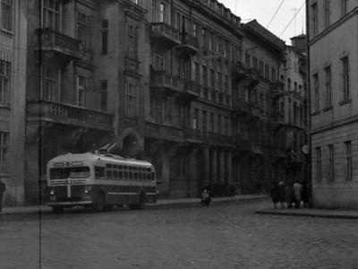 Тролейбус на вул. Саксаганського, фото, 1955-1960 роки.