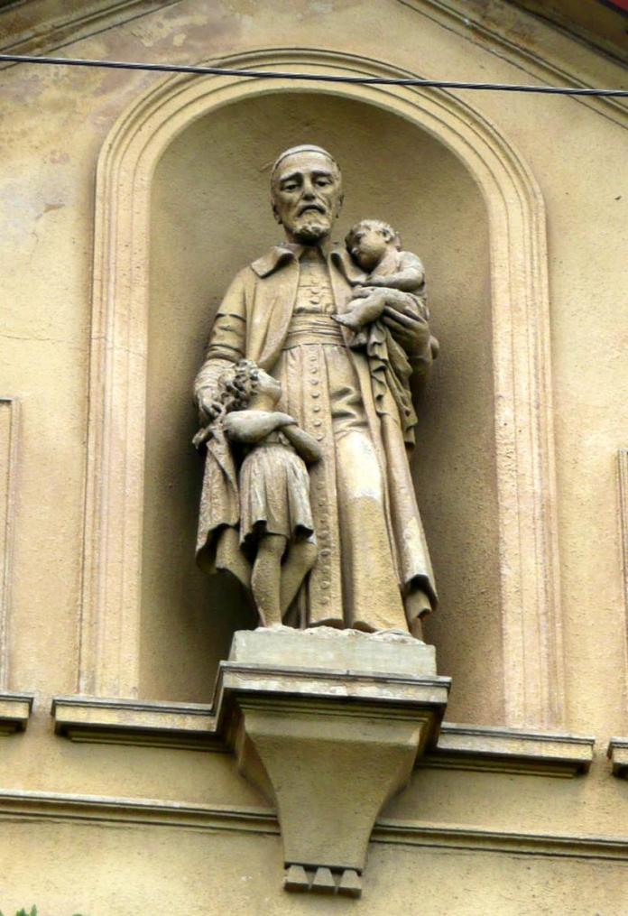 Фігура Св. Вінцента з дітьми скульптора Антона Попеля