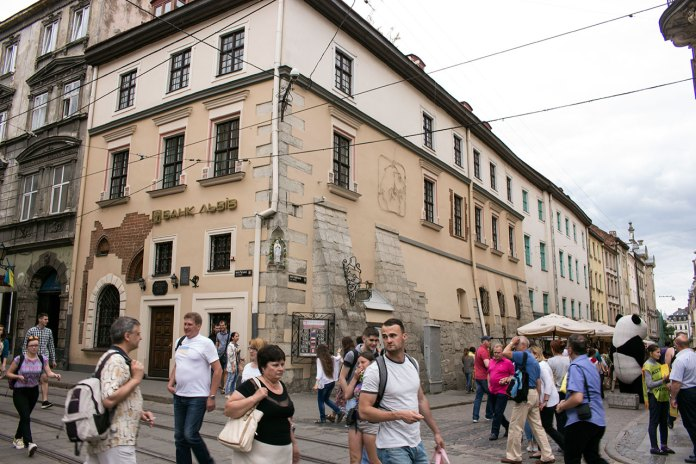 Войнаровська кам'яниця на вул. Руській, 2 у якій місто винайняло приміщення для лупанару