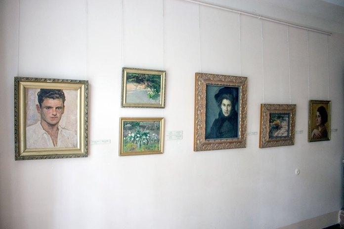 Експозиція в кoлишній віллі-майстерні Івана Труша (зараз – Музей І. Труша, відділ Національного музею у Львові на вулиці Труша, 28)