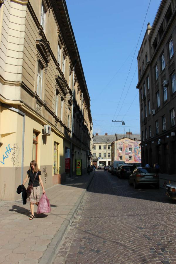 Сучасна вулиця Банківська у Львові. Фото 2015 року