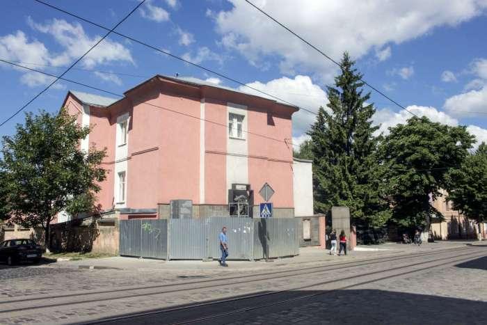Один з корпусів в'язниці на Замарстинівській, 9. Фото 2015 року