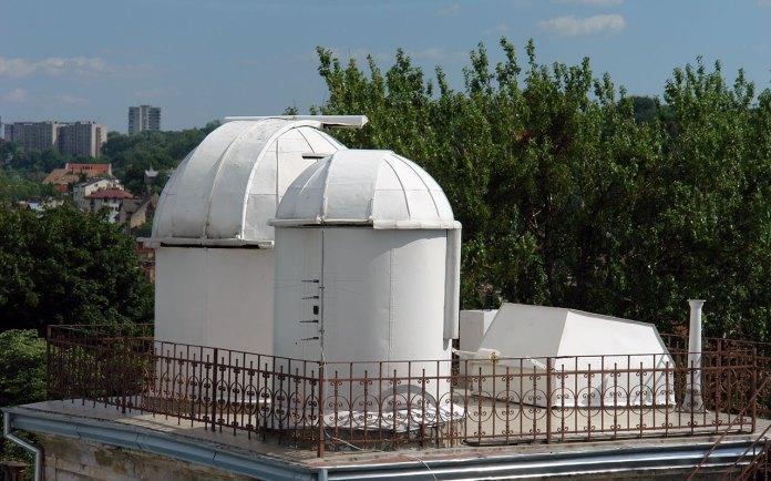 Телескопи львівської астрономічної лабораторії у Львові.