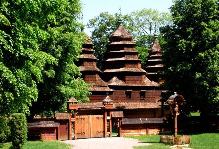 Церква святого Миколая у Шевченківському гаю у Львові
