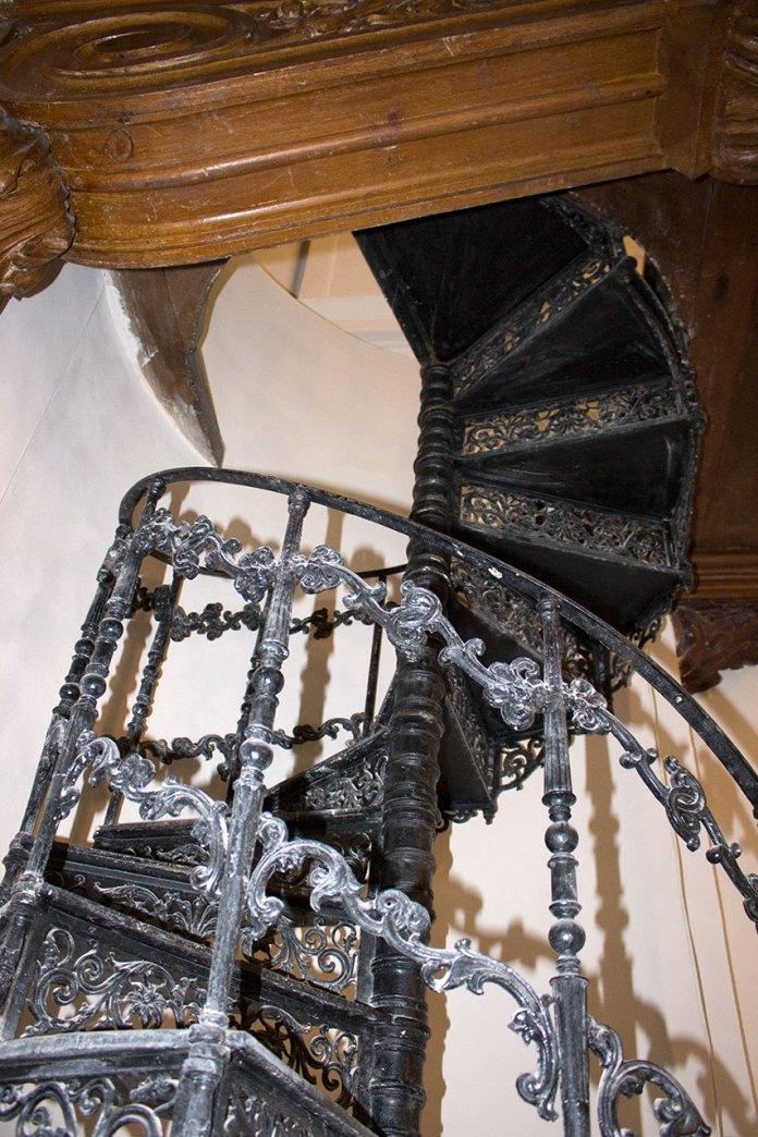 Сходи, що ведуть на хори храму Св. Софії