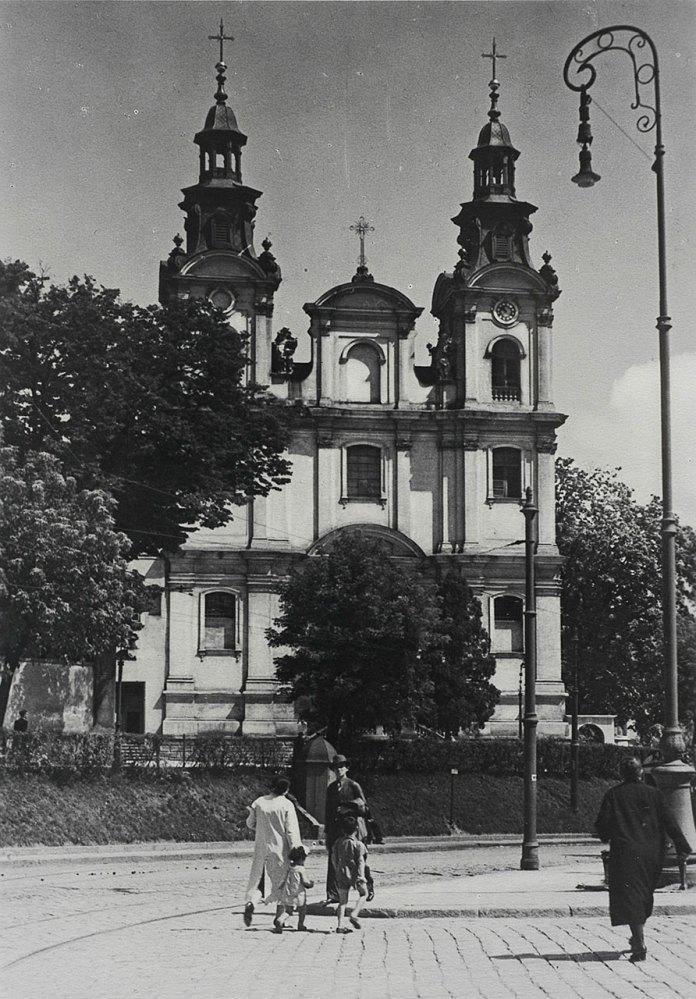 Годинник на вежi костелу Марiї Магдалини