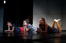 Сцена з танцювального перформансу «В очікуванні невідомого».