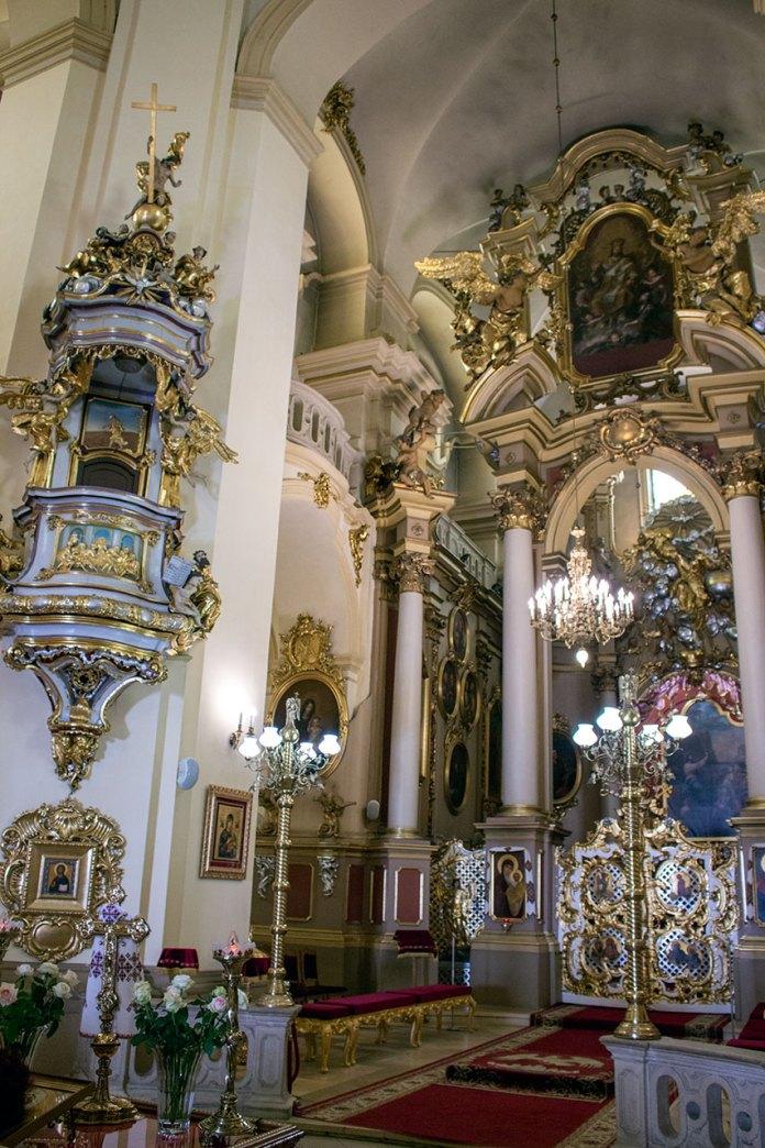Вівтар і казальниця собору Святого Юра у Львові