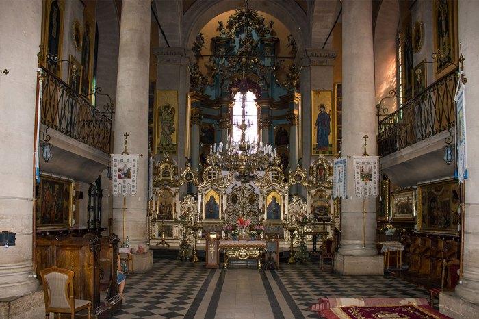 Вівтарна частина Успенської церкви у Львові