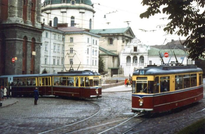 Львів, трамваї на вулиці Підвальній, фото 1978 року