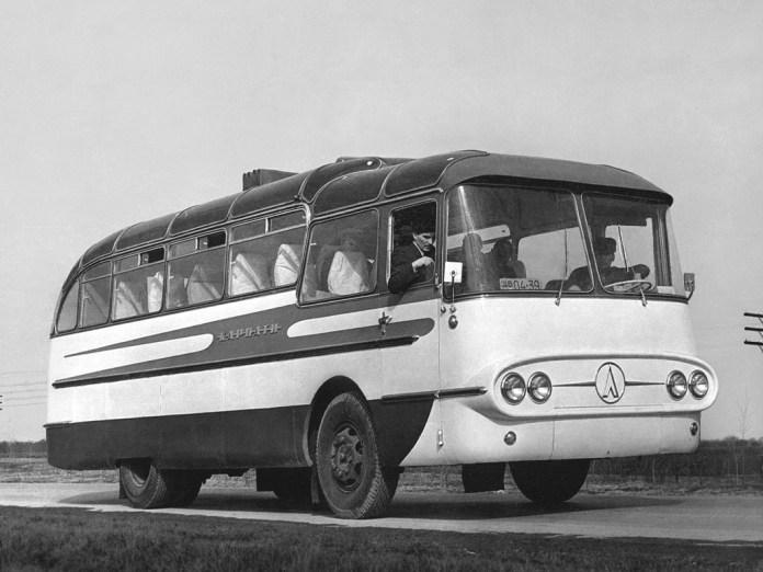 ЛАЗ 698 «Карпати»