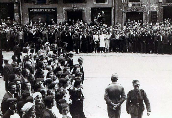 30 червня 1941 року. Львів'яни в очікуванні проголошення Акту відновлення державності.