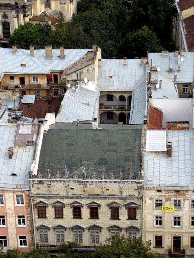 Королівська кам'яниця, вид з верху (фото з сайту varandej.livejournal.com/)