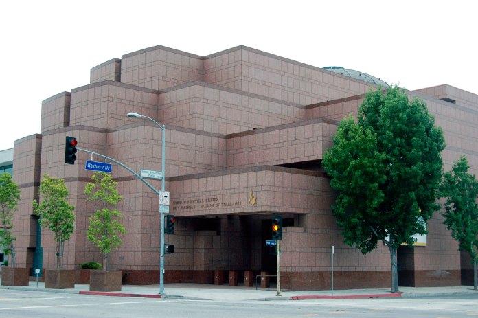 Центр Симона Візенталя у Лос–Анджелесі (фото з сайту beverlypress.com)