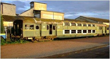 Двоповерховий пасажирський поїзд (чи не єдиний, що зберігся) на станції Челябінськ